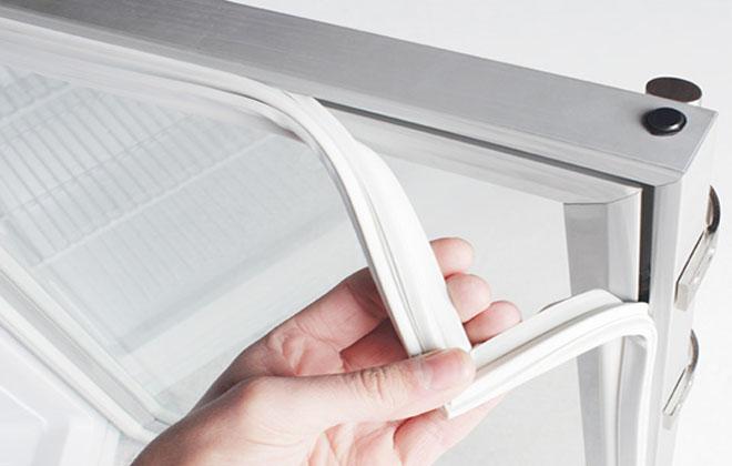 Износ прокладок на дверцах холодильных витрин
